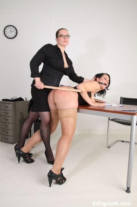 секретарша и начальница лесбиянка